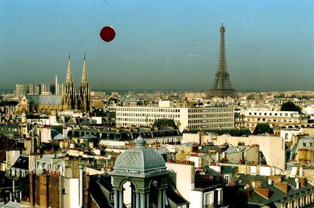Red ballon adj